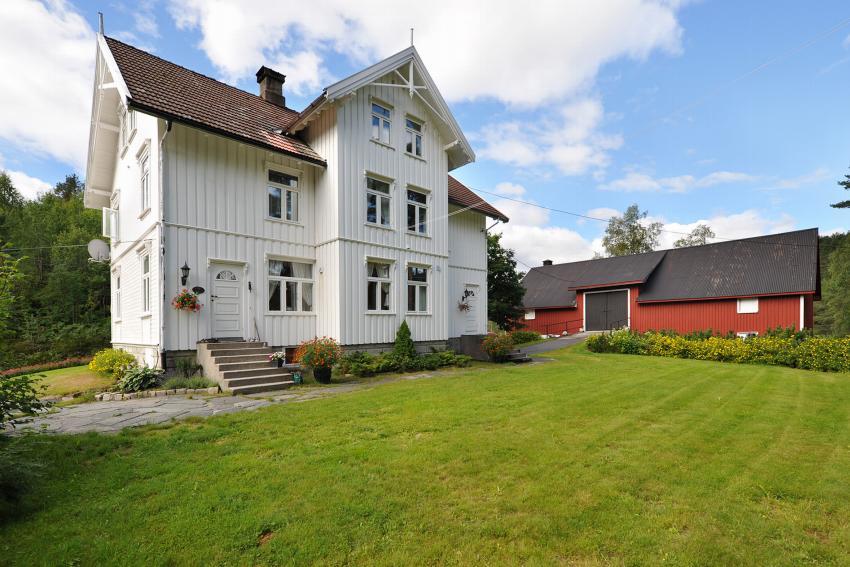 Landbrukseiendom - hynnekleiv - 2 490 000,- - Meglerhuset & Partners