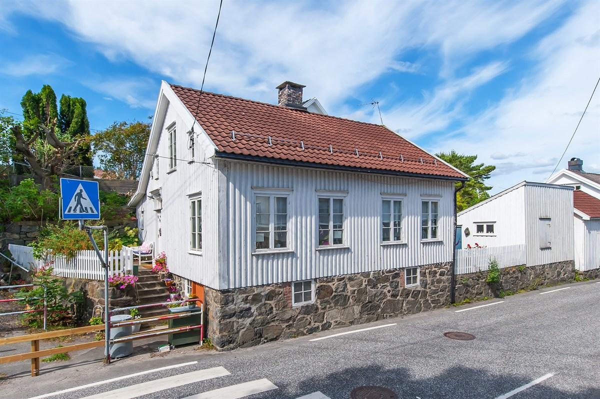 Enebolig - kolbjørnsvik - 1 800 000,- - Meglerhuset & Partners