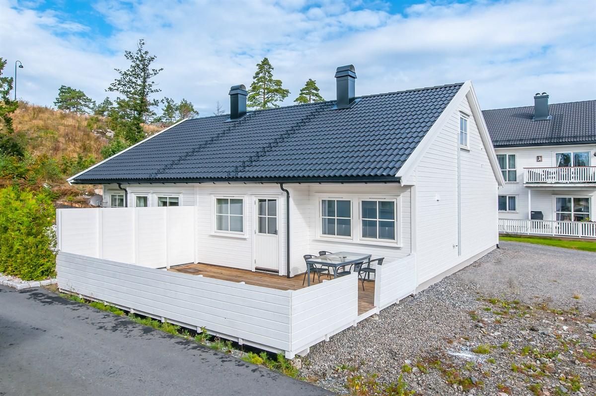 Tomannsbolig - nedenes - 1 750 000,- - Meglerhuset & Partners