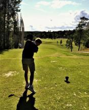 Kort vei til 18-hulls golfbane
