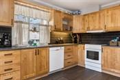 Innholdsrikt kjøkken- fin åpen løsning
