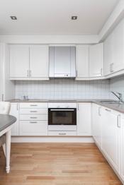 Hvit kjøkkeninnredning