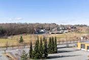 Flott utsyn over golfbanen fra balkong