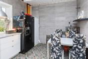 Kjøkkenet har bl.a. granitt-wall
