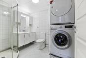 Badet har opplegg til vaskemaskin og tørketrommel