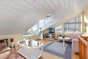 Stue i toppetasjen- veldig lys og med flott utsikt