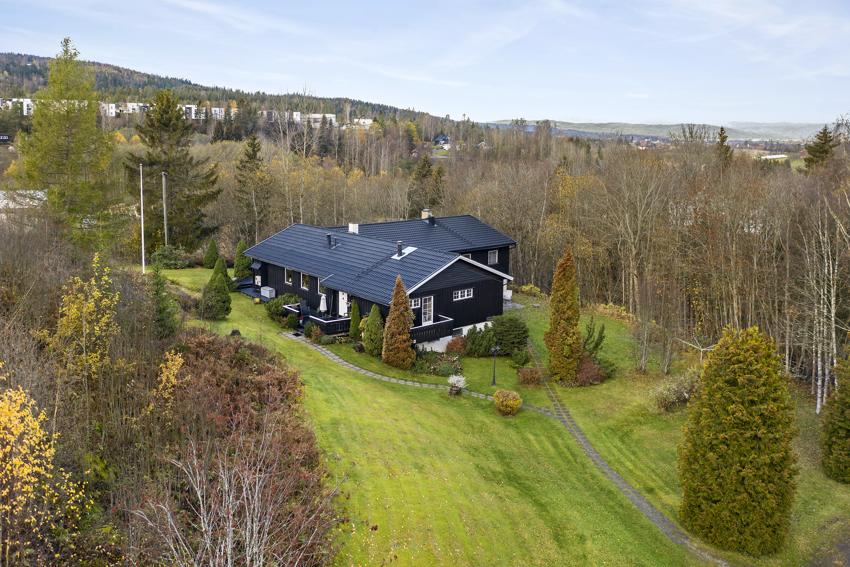 Proaktiv Jessheim har gleden av å presentere denne flotte eiendommen i Åsvegen 5
