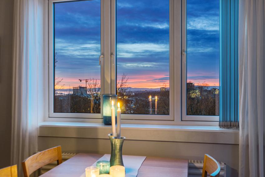 Svært tiltalende 3-roms med storslagen utsikt over Oslo by og fjorden