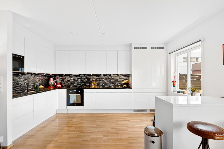 Lys og tiltalende 4-roms leilighet med tilbaketrukken beliggenhet
