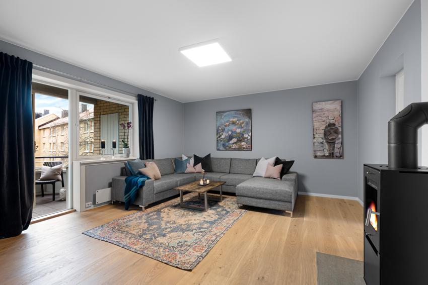 Meget tiltalende og nyoppusset 3-roms leilighet i høy og usjenert 1.etasje