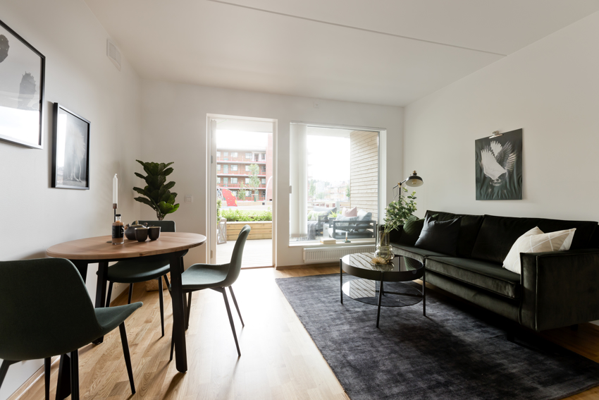 Noman Afzal ønsker deg velkommen til Losbyveien 1 - Er dette ditt nye hjem?