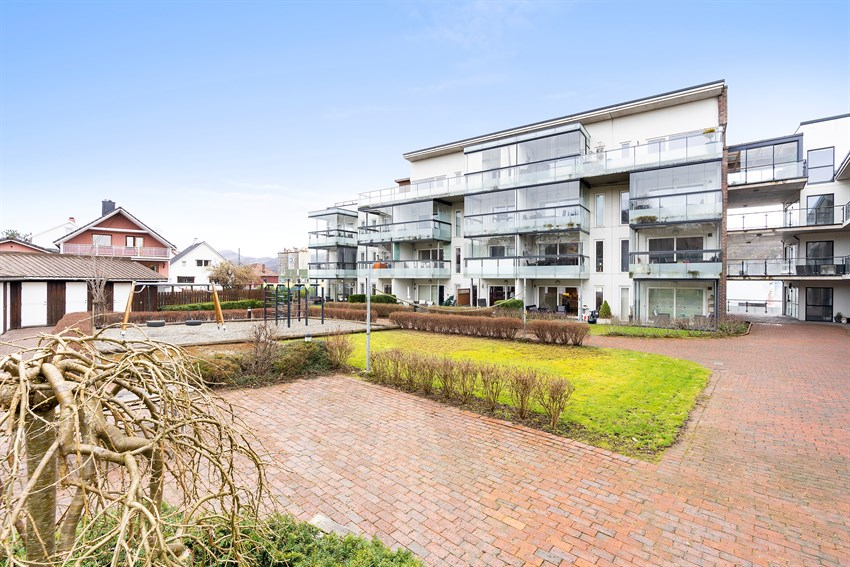 PROAKTIV - Pen selveierleilighet m/god planløsning (65 kvm BRA) - vestvendt m/innglasset balkong - heis - garasje