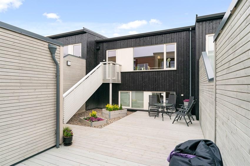 Velkommen til Blåklokkeveien 67 - Innholdsrikt rekkehus med kveldssol og utsikt