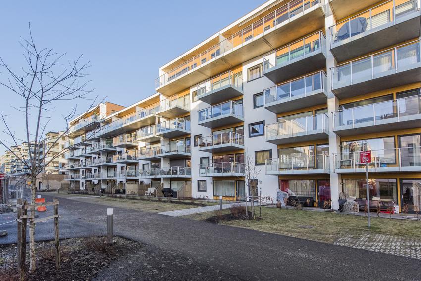 Astrids vei 21 er en stor og lekker 2-roms leilighet fra 2018 med praktisk planløsning.