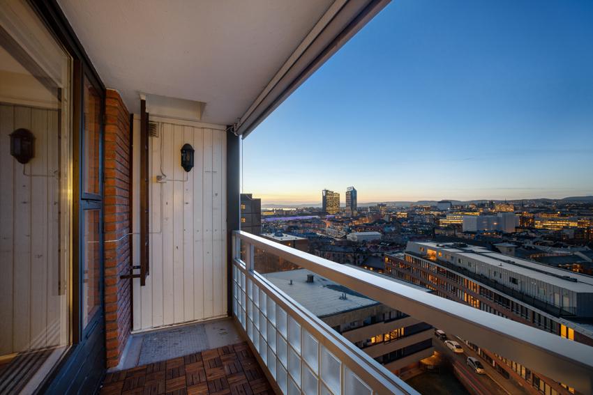 Proaktiv ved Lars Spigseth har gleden av å presentere denne 3-roms leiligheten med fantastisk utsikt!
