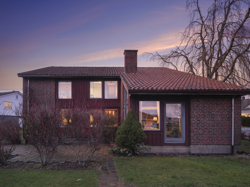 Proaktiv Eiendomsmegling har gleden av å presentere en meget unik bolig i Østre Helleveien 4 på Sandved.