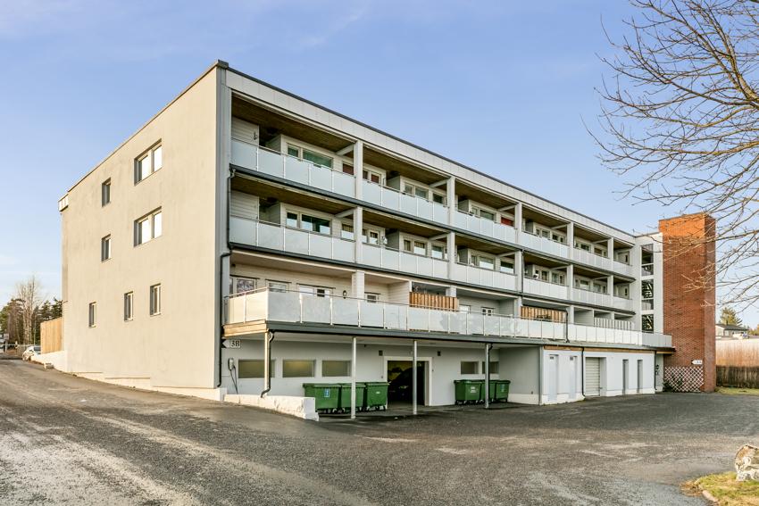 Proaktiv Eiendomsmegling presenterer Korshagen 3 A - en stor selveierleilighet med balkong og garasjeplass.