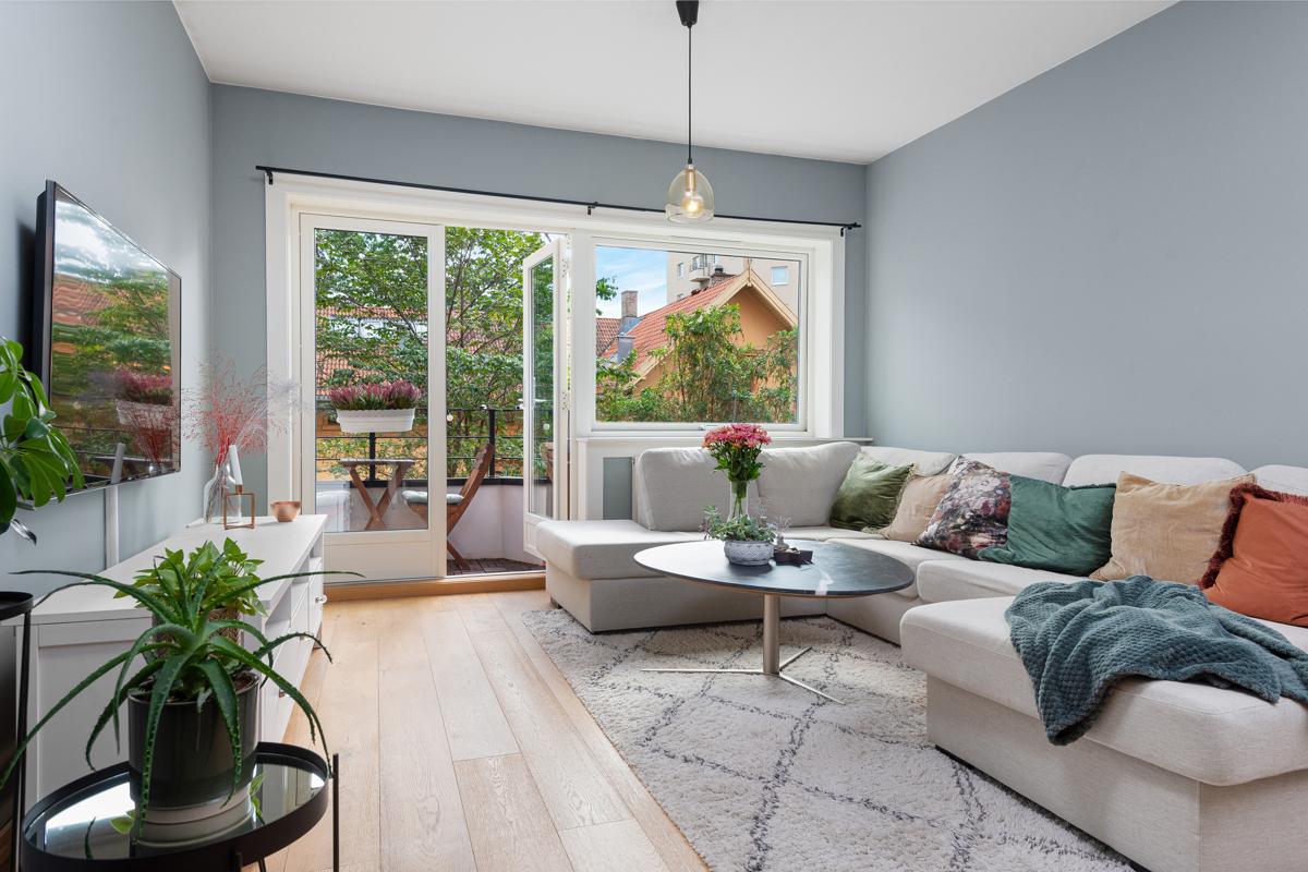 Steffen Usterud (924 99 143) ved Schala & Partners har gleden av å presentere denne lekre leiligheten i Hekkveien 7!