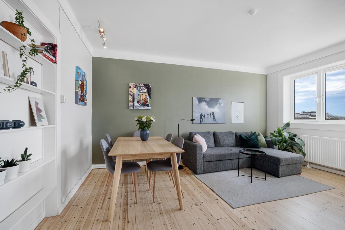 Velkommen til Hans Nielsen Hauges gate 24. Leiligheten er presentert av Lene Brekken i Schala & Partners eiendomsmegling.