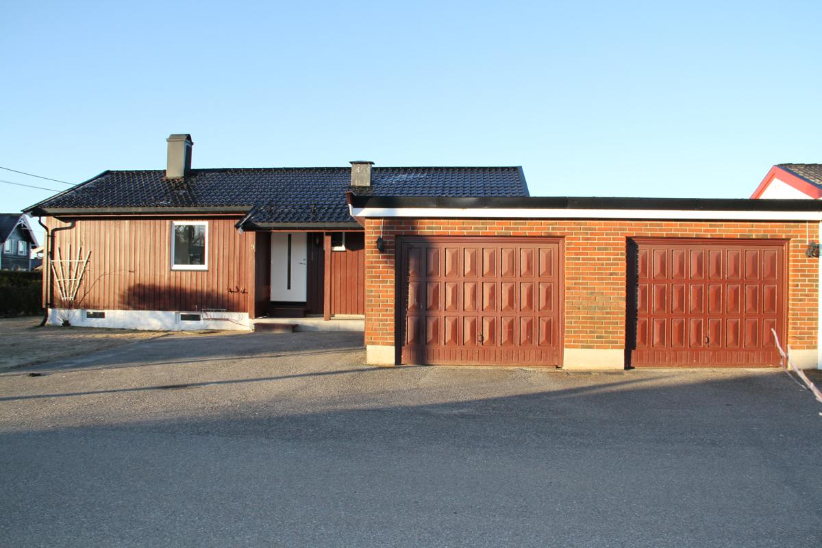 Velkommen til Sandmovegen 3, presentert av Schala & Partners ved Henrik Jensen, tlf. 996 92 427.