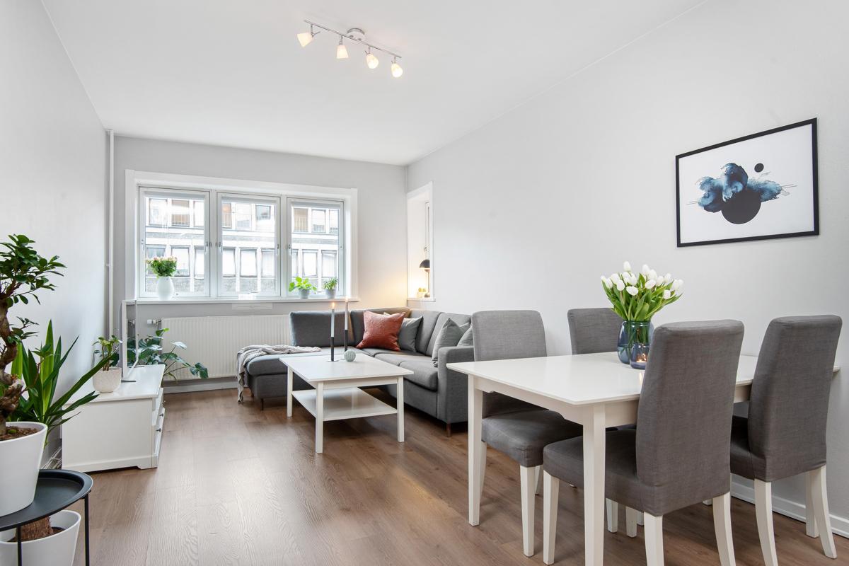 Steffen Usterud (924 99 143) ved Schala & Partners har gleden av å presentere denne leiligheten i Trondheimsveien 93!