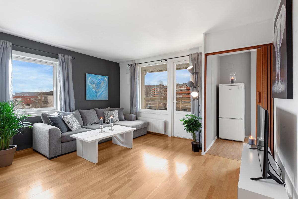Sandra Winger (477 15 848) ved Schala & Partners har gleden av å presentere denne leiligheten i Haakon Tveters vei 86!