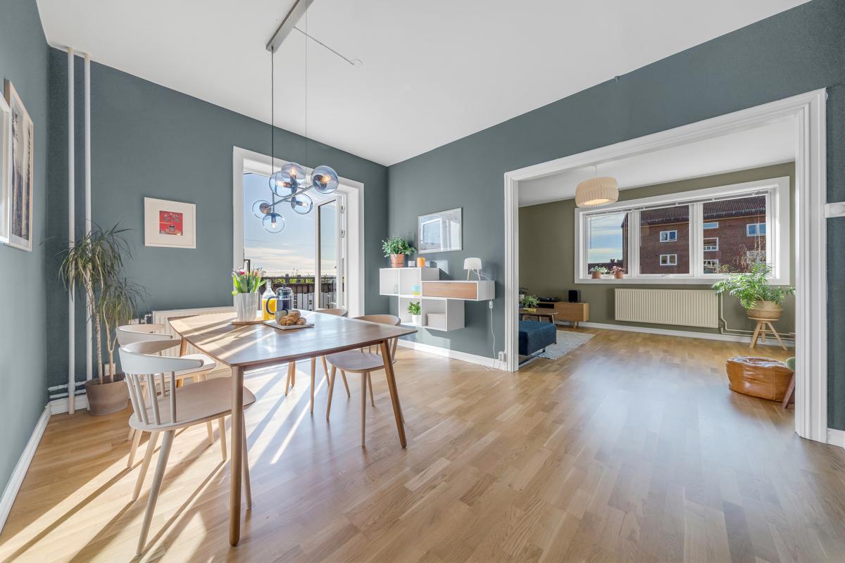 Vidar Tangstad (tlf 452 16 222) ved Schala & Partners har gleden av å presentere denne flotte leiligheten i Frydens gate 5D!