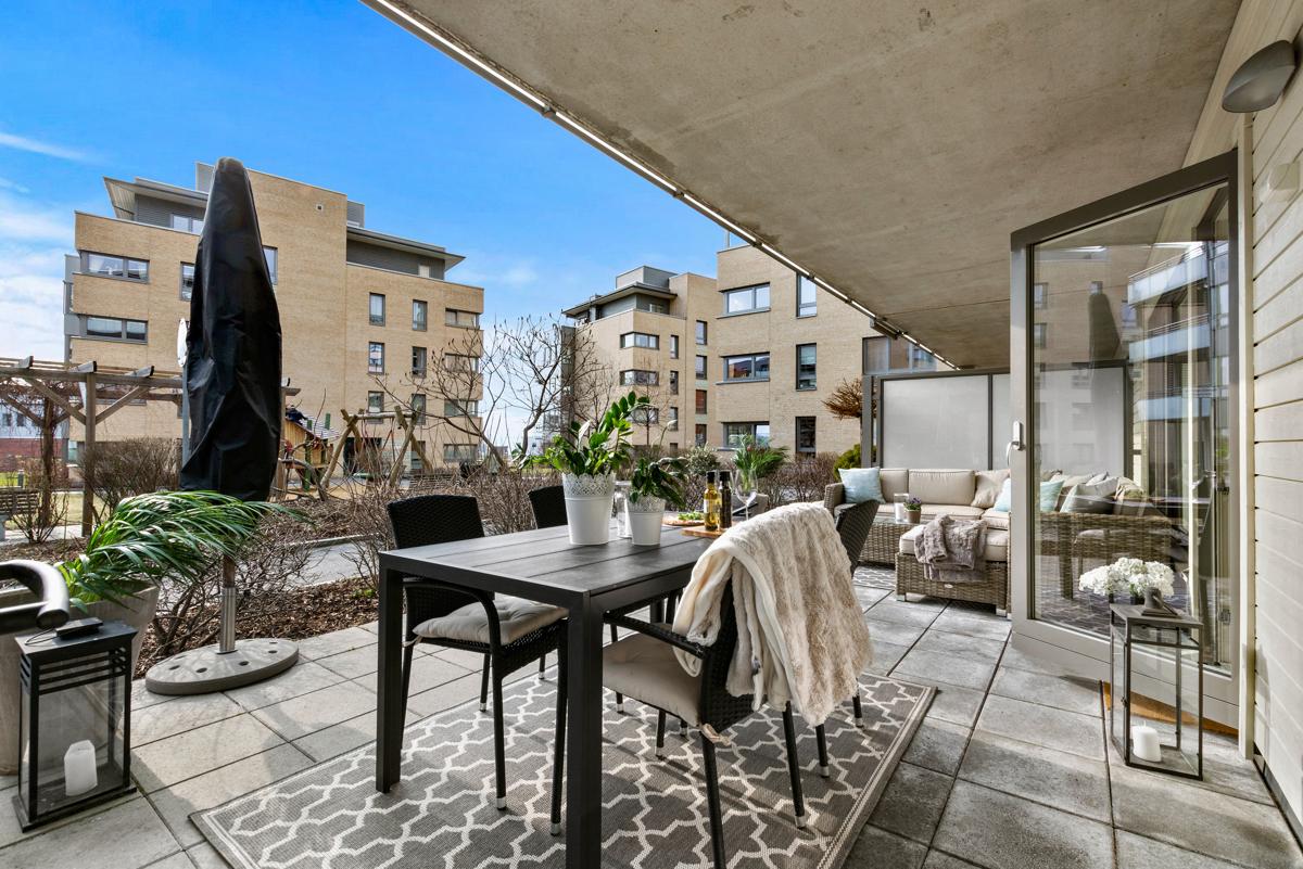 Torfinn Sørvang (tlf 977 59 812) ved Schala & Partners har gleden av å presentere denne lekre leiligheten i Ullagerveien 3!