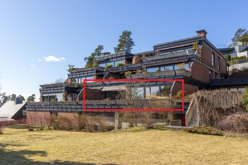 Truls Martin Nygaard (tlf 476 29 151) og Kjerstin Falkum (922 04 707) ved Schala & Partners har gleden av å presentere denne terrasseleiligheten i Ullernveien 22!